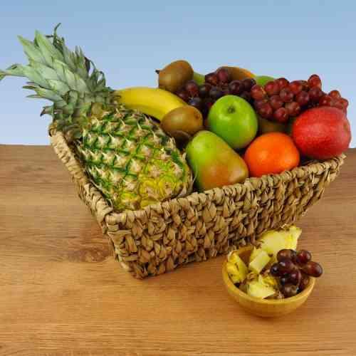 Geschenkkorb Miami Pures Obst im dekorativen Obstkorb Entdecke Mango und Ananas neu
