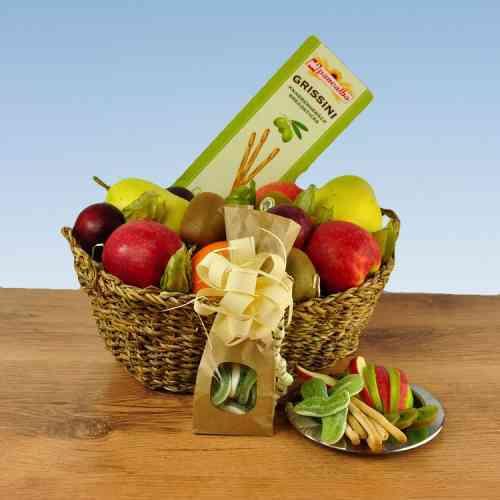 Obst Geschenkkorb Knabber Auszeit mit süß-sauren Apfelringen und Grissini Knabergebäck mit Olivienöl
