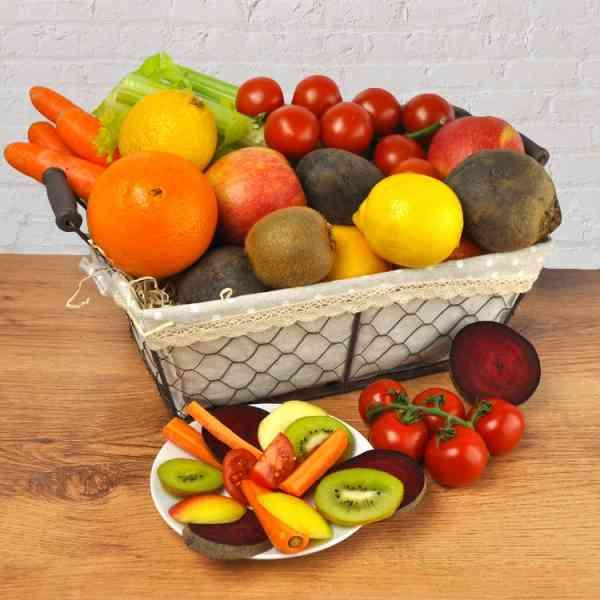 Geschenkkorb Detox Pur - prall gefüllt mit Obst und Gemüse